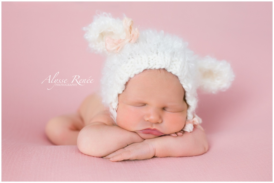 NewbornPhotographerinFrisco